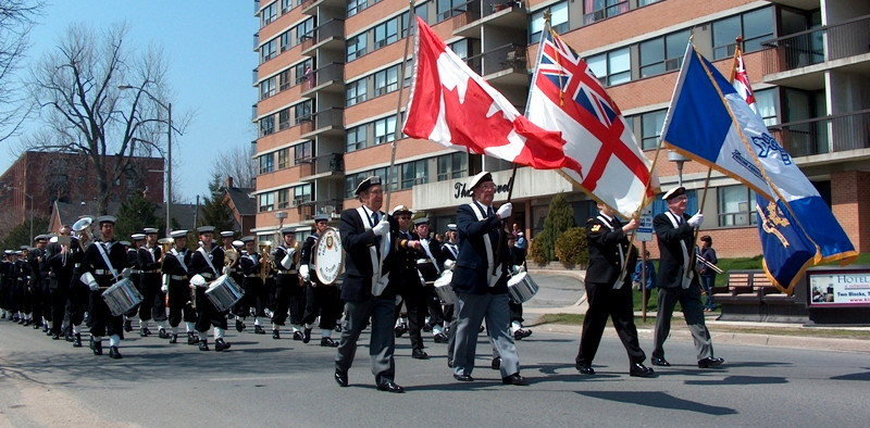 Parade Canadians