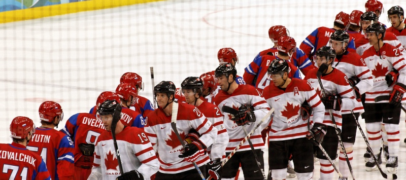 Canadian and Russian hockey teams