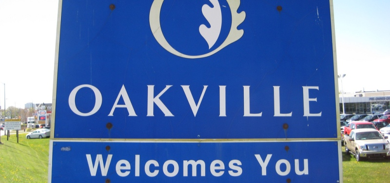 Welcome to Oakville sign