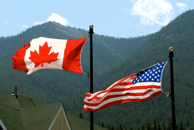usa canada flags